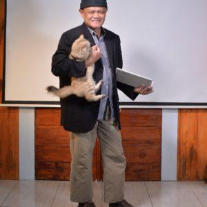 kucing dan penulis